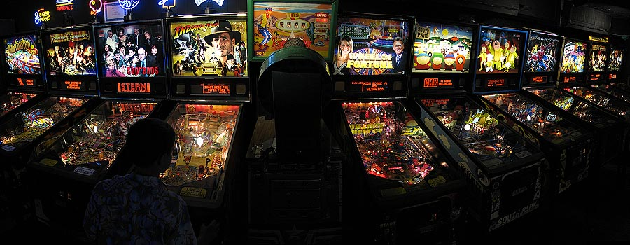 Panoramic Picture of Marty's Playland Pinball Lineup